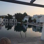 Photo de Mediterranean Beach Resort