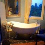 clawfoot tub in Sodalite Suite