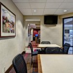 Photo of Hampton Inn Des Moines-West