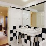 Deluxe Bathroom (279028925)
