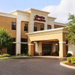 Welcome to the Hampton Inn & Suites Valpariso