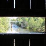 Photo de Honey Run Covered Bridge
