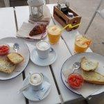 2 desayunos