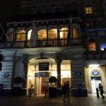 Amba Hotel Charing Cross resmi