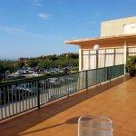 Es la terraza del hotel... pero es la misma vista desde la habitación