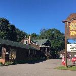 Foto de Cedar Motor Inn