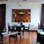"""Salle du """"Makassar"""" le restaurant gastronomique."""