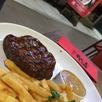 Steak, chips and peppercorn sauce