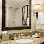Foto di Hilton East Brunswick Hotel & Executive Meeting Center