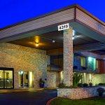 Photo of La Quinta Inn & Suites Portland NW