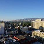 Blick von unserem Zimmer im 14. Stock über Reno