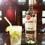 Cocktail bar!