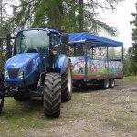 Traktorfahrten auf die Alm