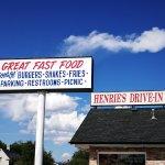 Henrie's Drive Inn