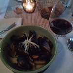 Mussels in ginger in white wine. Excellent!