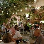 Foto Rustic Garden Greek Tapas & Wine