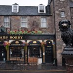 Greyfriars Bobby pub - and story about history.