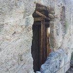 Citerne taillée dans la roche