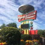 Flying Saucer Diner, Niagara Falls, Canada