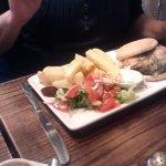 Sportsman Burger & Chunky Chips