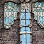 Rain gauge (note wrong spelling)