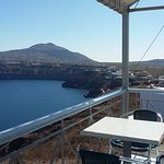 Akrotiri vista dalla terrazza colazione