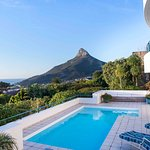 Enjoy the amazing view of Lions Head and the sea at Bay Reflections