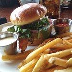 Brentwood chicken sandwich lunch special