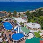 Photo of Golden Beach Hotel