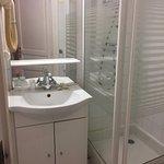 Washbasin & shower