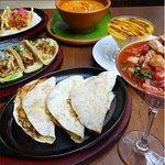 Gringas, ceviche, tacos, sopa de tortilla