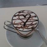 """Le """"coccole"""" del barista su un caffè macchiato"""