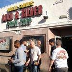 Photo de Gold and Silver Pawn Shop