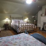 Upstairs room - Step back in time to Relax, Unplug, and Unwind