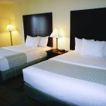 Photo de La Quinta Inn & Suites Boston Somerville