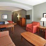 Photo of La Quinta Inn & Suites Olathe