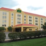 Photo of La Quinta Inn & Suites Cleveland Airport West