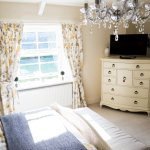 Caroe Farmhouse Bed and Breakfast Image