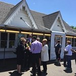 waiting line at Ted Drewes -- it is that popular!
