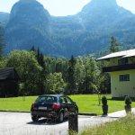 Landhaus Lilly parking and entrance