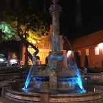 Queen Victoria's Fountain resmi