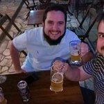 Amigos e excelentes cervejas.