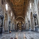 St. John Lateran Basilica: # 4: Right down the middle