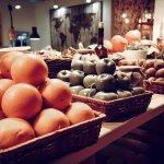В нашем ресторане функционирует ярмарка свежих овощей и фруктов!