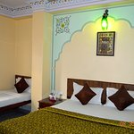 Photo de Hotel Gulab Garh (Pure Veg)