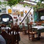 Hotel Restaurante Blanco y Verde Foto