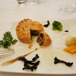 this is the tourte quercynoise : foie gras, truffes and morels !