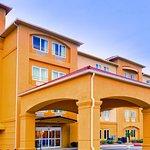 Photo of La Quinta Inn & Suites Union City