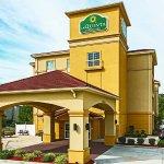 Photo of La Quinta Inn & Suites Tupelo