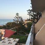 Photo de Hotel Themis Beach
